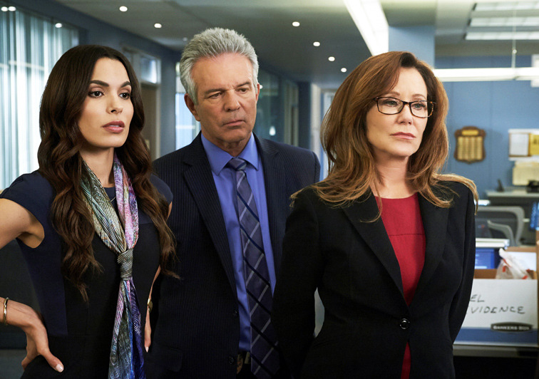 海外ドラマ「MAJOR CRIMES~重大犯罪課」<セカンド・シーズン> -(C) 2014 Warner Bros. Entertainment Inc. All rights reserved.