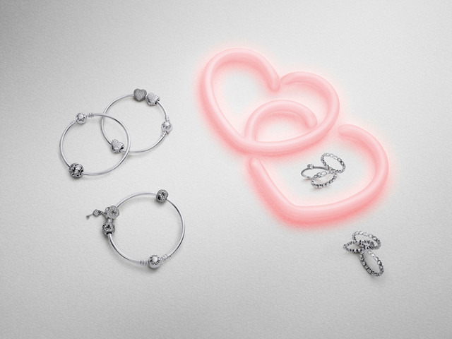 「パンドラ(PANDORA)」のValentine Collection 2015