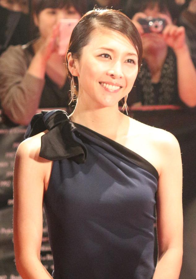 竹内結子のドレス