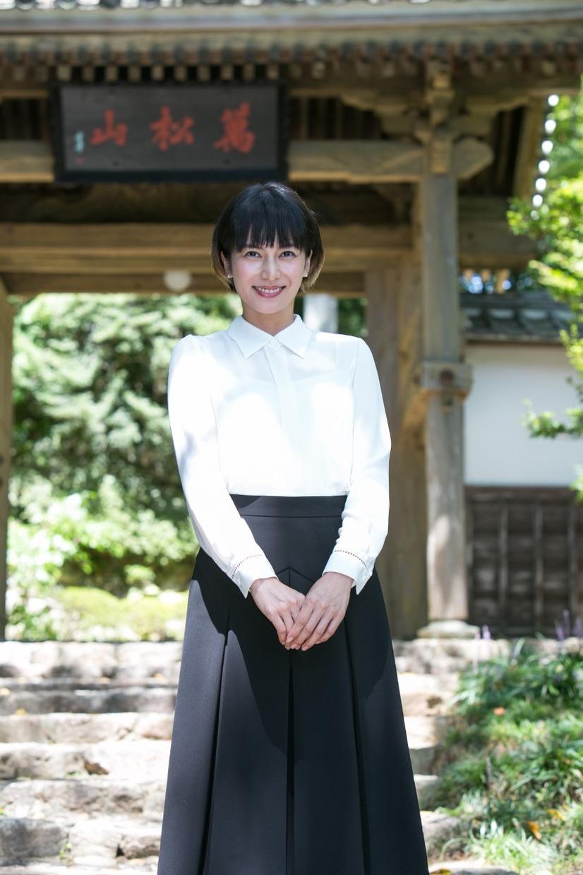 柴咲コウ、来年大河主演の井伊直虎へ墓参り「真心の愛を込めて」演じること報告 1枚目の写真・画像