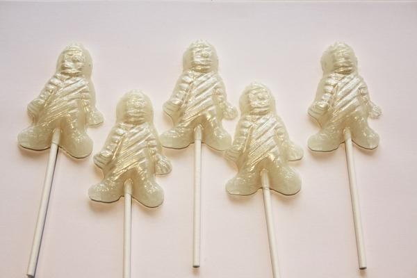 「Mummy shaped Halloween lollipops」490円+税