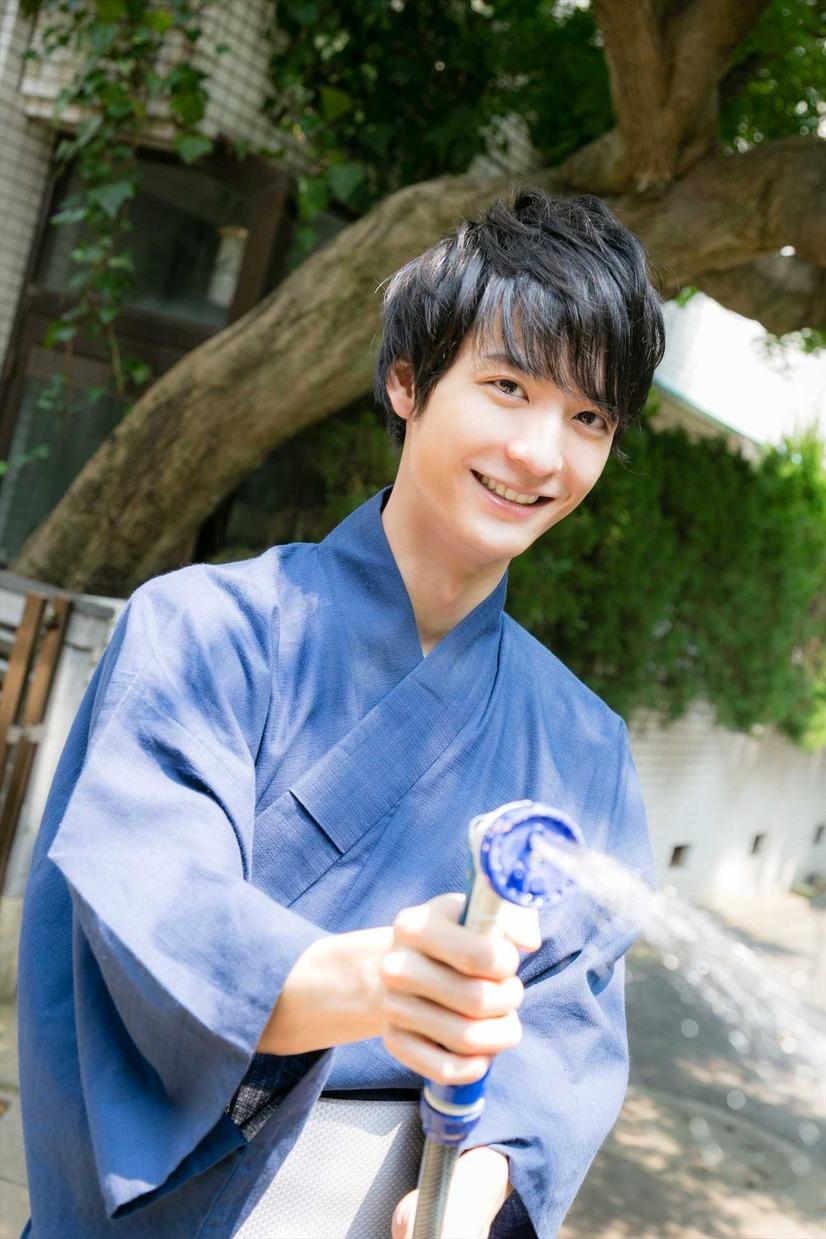 若手人気声優・梅原裕一郎、初フォトブックが発売! 5枚目の写真・画像