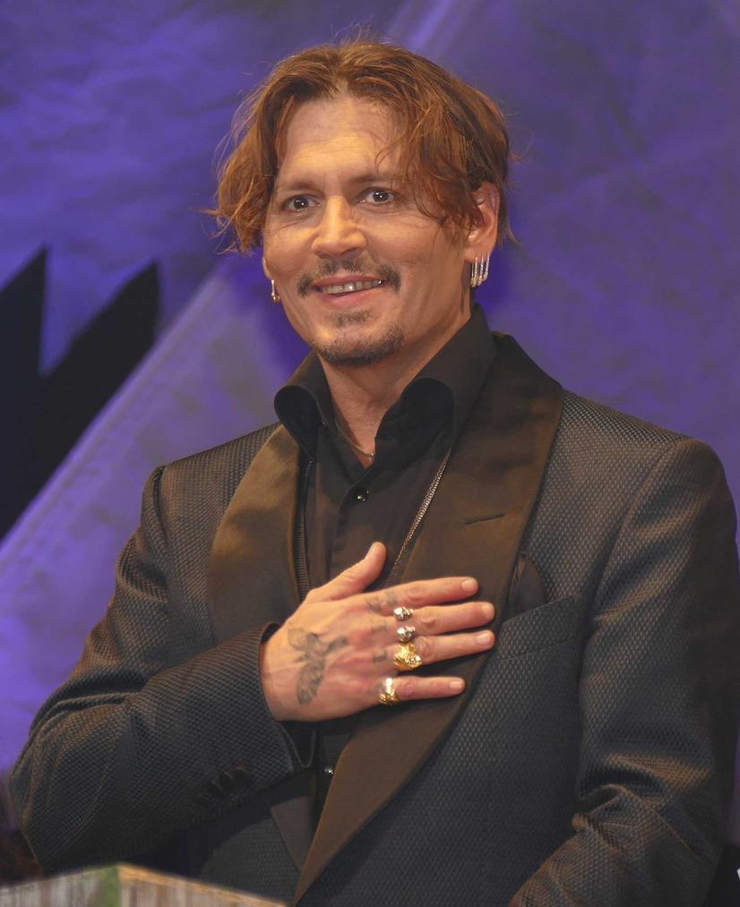 ジョニー・デップ、来日イベントで悪ノリ!「コンニチワ」を連発 1枚目の写真・画像
