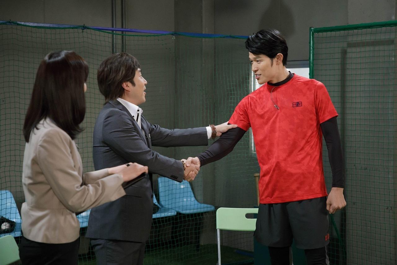 鈴木亮平、ムロツヨシらとコントに挑戦! 「また挑戦したい!」