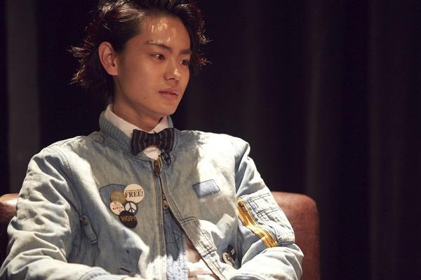 菅田将暉、おしゃれさ際立つ独特のファッションに注目『ピンクとグレー』 2015.12.8 Tue 1231