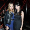 Laura Whitmore and Lilah Parsons フォトクレジット:RICHARD YOUNG