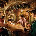 "緑竜館/ホビット庄-(C) ""Hobbiton Movie Set Tours"" for Hobbiton"