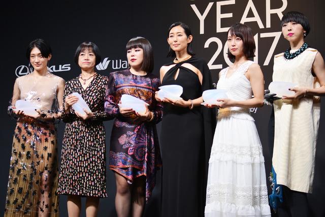 吉岡里帆&ブルゾンちえみ&木村多江&MIKIKO&恩田陸&コムアイ/「VOGUE JAPAN WOMEN OF THE YEAR 2017」の授賞式・記者会見