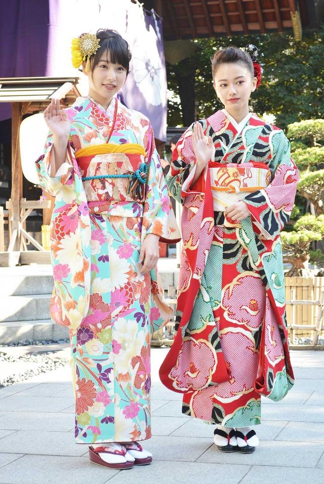 桜井日奈子&山本舞香/晴れ着お披露