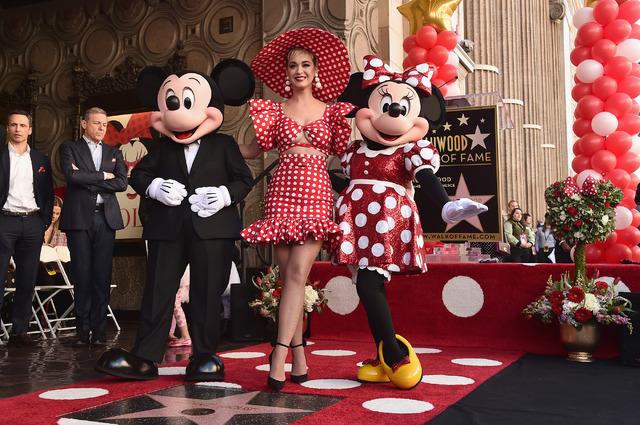 ミッキーマウス&ミニーマウス&ケイティ・ペリー-(C)Getty Images