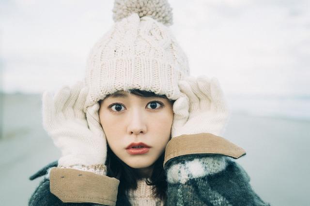 「桐谷美玲カレンダー2018.04-2019.03」(東京ニュース通信社刊)