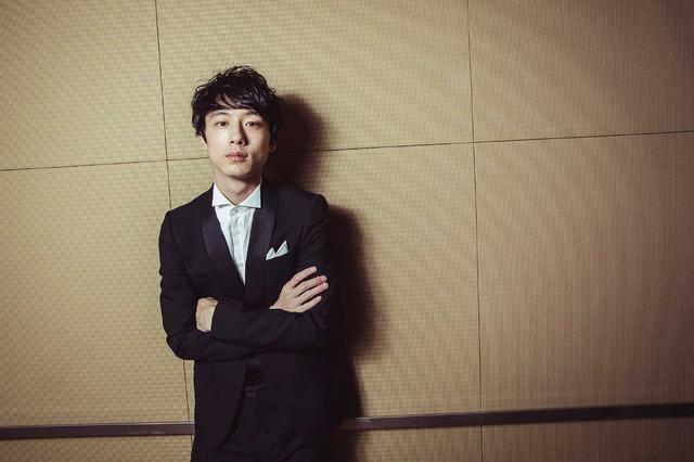 坂口健太郎『今夜、ロマンス劇場で』/photo:You Ishii