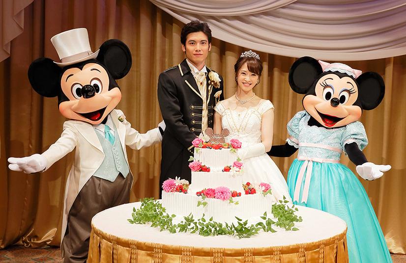 ケーキ入刀/「\u201cアウグーリ!\u201dグリーティング・フロム・ミッキー&ミニー