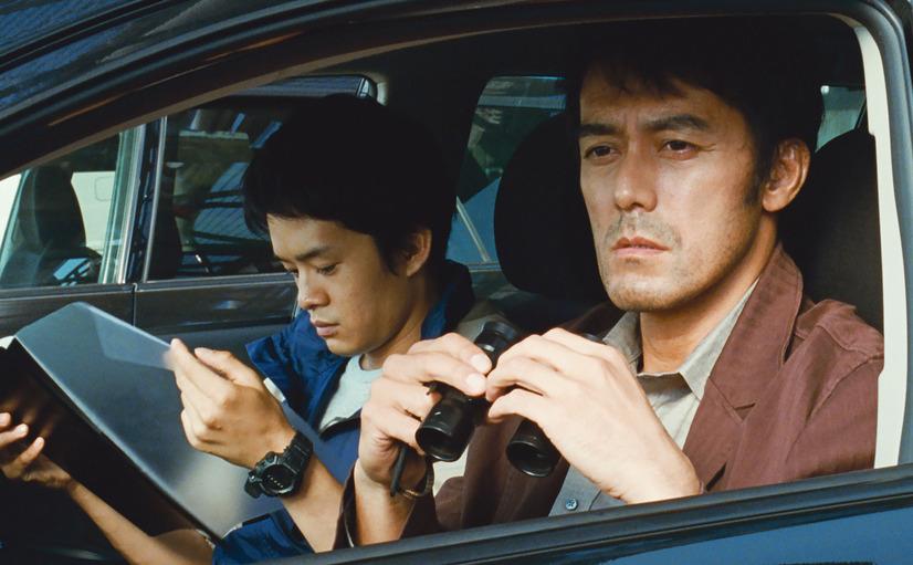 響子、福住、真悟を見つめる良多と福住の経歴を確認する町田