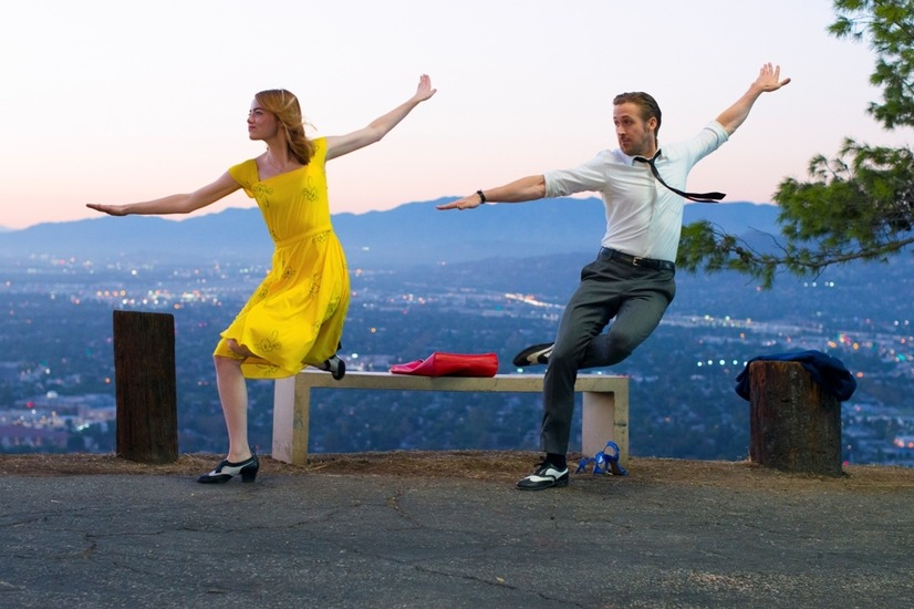 『ラ・ラ・ランド』場面写真A(C)2017 Summit Entertainment, LLC. All Rights Reserved.Photo credit:  EW0001: Sebastian (Ryan Gosling) and Mia (Emma Stone) in LA LA LAND.Photo courtesy of Lionsgate.
