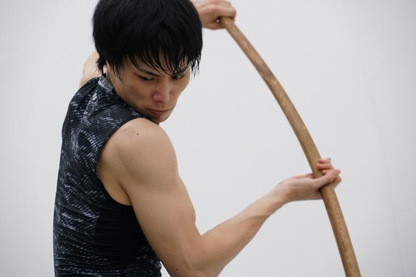 肩まわりの筋肉が美しい鈴木伸之の高画質画像