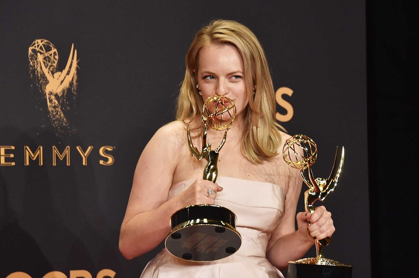 「The Handmaid's Tale」エリザベス・モス/エミー賞第69回授賞式(C)Getty Images