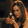 「NIKITA/ニキータ」 -(C) 2012 Warner Bros. Entertainment Inc. All rights reserved.