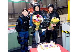 向井理&綾野剛、Wバースデーをサプライズで祝福!「密かに期待していた…」