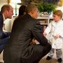 ジョージ王子、パジャマ姿でオバマ大統領にごあいさつ 画像