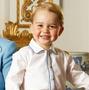ジョージ王子、「くまのプーさん」生誕90周年記念ブックに登場! 画像