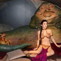 『スター・ウォーズ』レイア姫のビキニ衣裳が9万6,000ドルで落札 画像