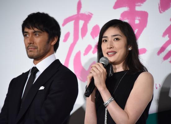 """天海祐希、阿部寛との""""夫婦共演""""..."""