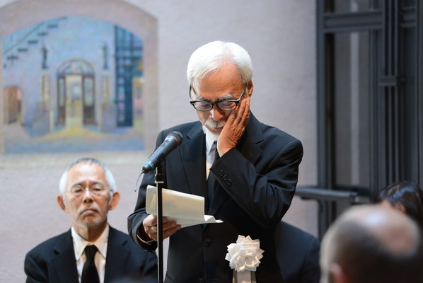 宮崎駿監督、涙の追悼…「高畑勲 ...