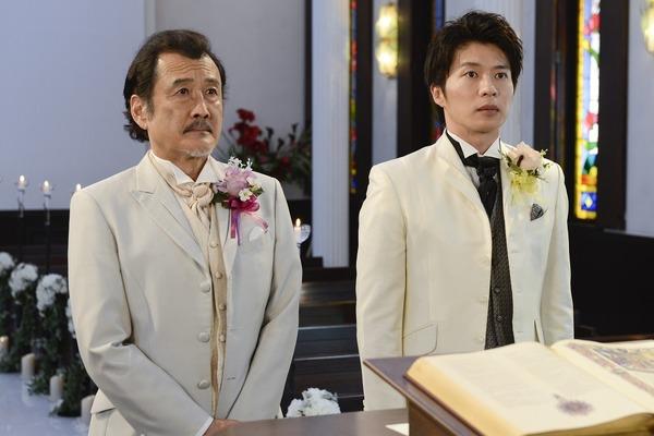 「吉田鋼太郎、田中圭との結婚シーンで花嫁気分「あのね…すごく幸せ!」」的圖片搜尋結果