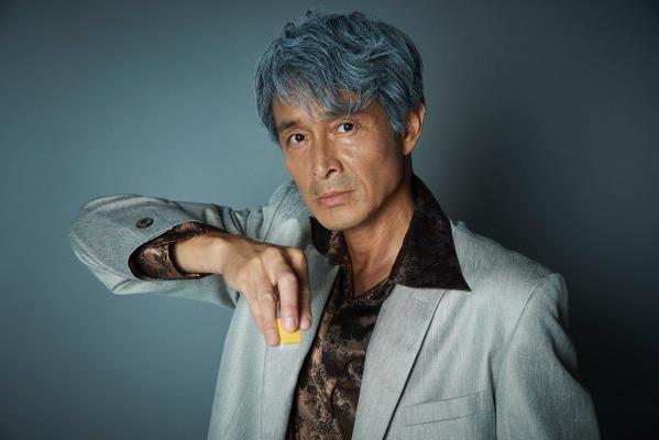 白髪交じりの吉田栄作