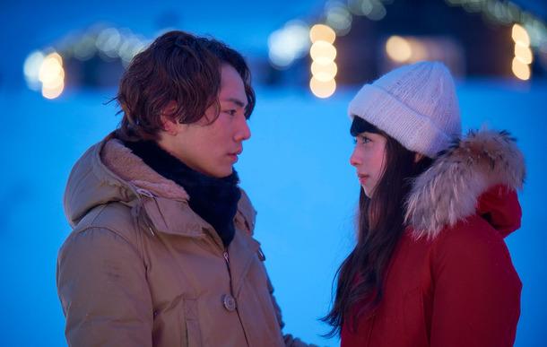 """フィンランドの幻想的な絶景が""""あなたの心""""を動かす──冬の名曲「雪の華」が描く""""最後の恋""""に涙。"""