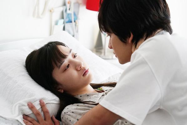 君は月夜に光り輝く Photo: 永野芽郁&北村匠海がキス…「セカオワ」の主題歌が包み込む