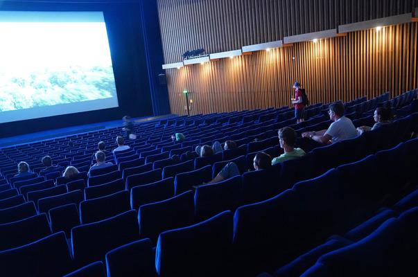 映画 館 コロナ 感染 リスク