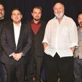 左から(クリスティン・ミリオティ、ジョン・ファヴロー、ジョナ・ヒル、レオナルド・ディカプリオ、ロブ・ライナー、ケン・チョイ、P・J・バイン)/『ウルフ・オブ・ウォールストリート』-(C) 2013 Paramount Pictures. All Rights Reserved.