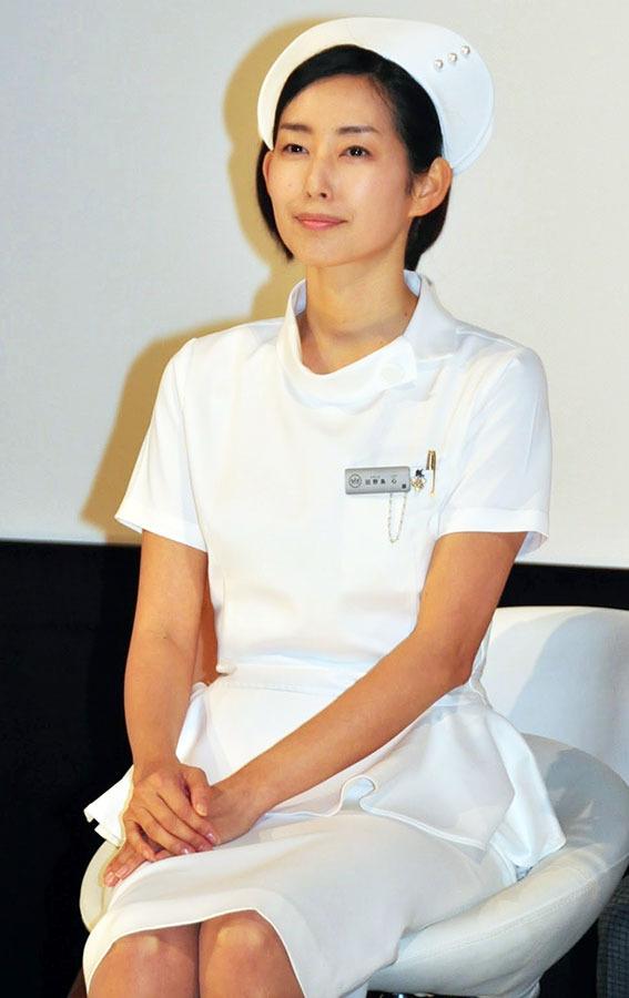 NAVER まとめドラマ「まっしろ」の田野島 心役の木村多江のナース服姿が似合い過ぎ 画像集 #TBS