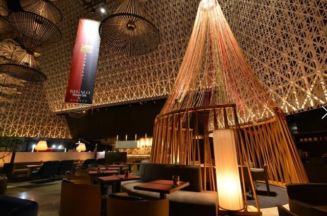 コンセプトカフェ「REGALO Moment Cafe」