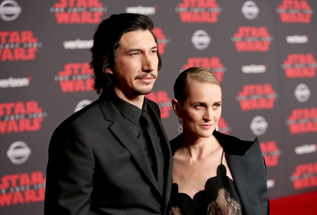 アダム・ドライバーは妻ジョアン・タッカーと/『スター・ウォーズ/最後のジェダイ』ワールドプレミア (C)2017 Lucasfilm Ltd. All Rights Reserved.