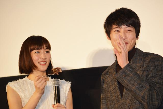 綾瀬はるか&坂口健太郎/『今夜、ロマンス劇場で』初日舞台挨拶