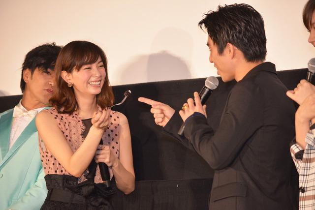 石橋杏奈&中尾明慶/『今夜、ロマンス劇場で』初日舞台挨拶
