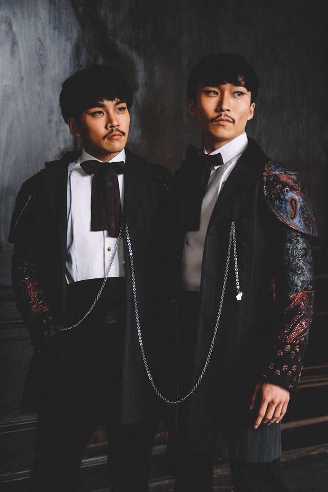 左・小森悠冊(Yusaku Komori)/『グレイテスト・ショーマン』 (C)2017 Twentieth Century Fox Film Corporation