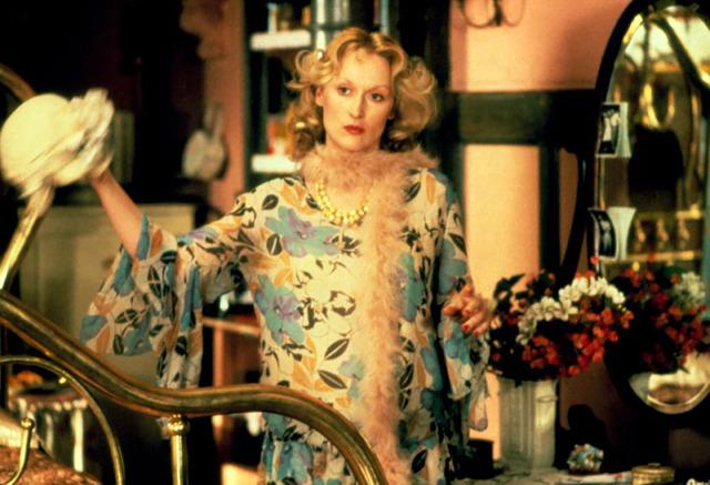 派手ドレスのメリル・ストリープ