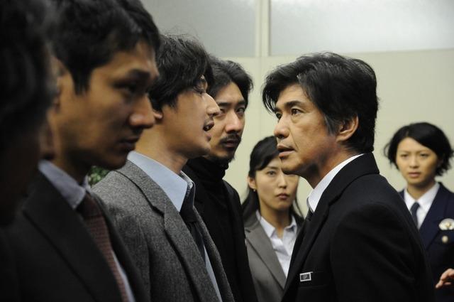 (c)2016映画「64」製作委員会