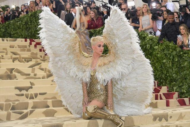 メットガラ2018衣装のテーマは「カトリック」(C)Getty Images