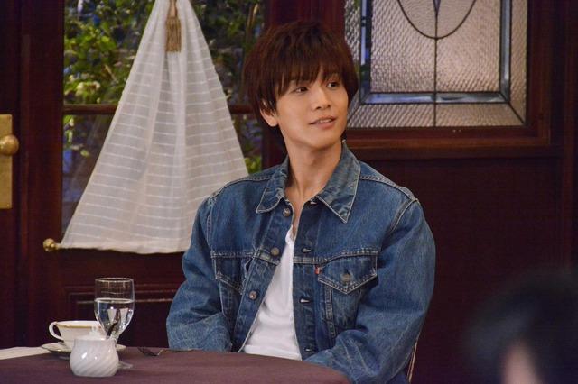 「崖っぷちホテル! ~本日のお客様は、宇海直哉様~」 (C) NTV