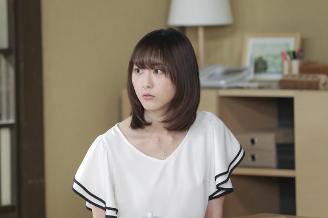 コント「呪われちゃったハジメくん」の松井玲奈「LIFE!~人生に捧げるコント~」(C)NHK