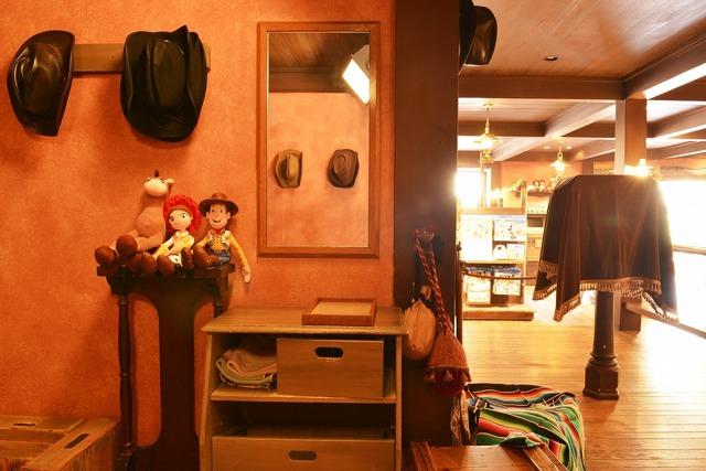 ウエスタンスタイルのコスチュームで記念撮影が楽しめた「ウエスタンランド写真館」☆