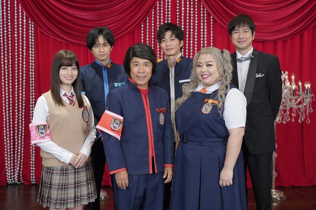 「ゴチ19」左より 橋本環奈、中島健人、岡村隆史、田中圭、渡辺直美、羽鳥慎一