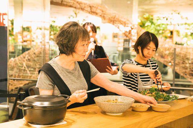 「おいしいレシピとおいしいトーク」イベント 『食べる女』(C)2018「食べる女」倶楽部