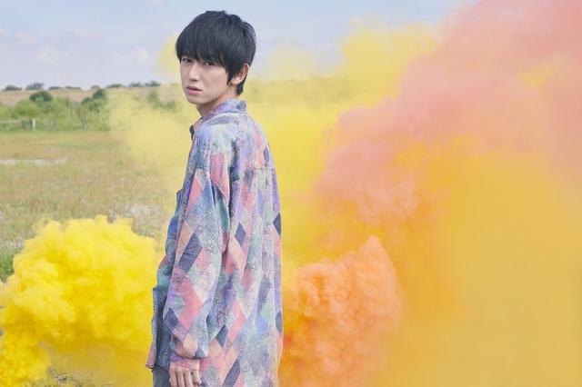 「本郷奏多カレンダー2019 -Color of Kanata-」表紙カット(通常版)※画像はイメージ