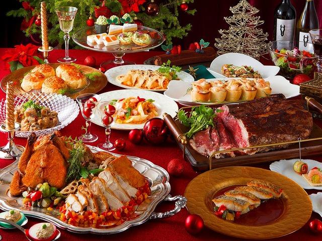 クリスマスムードいっぱいのメニューをブッフェスタイルで!